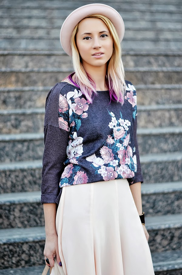 floral sweater pink hat
