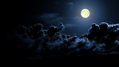 ws_Dark_Clouds_%2526_Full_Moon_1366x768.