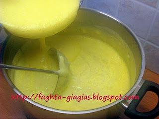 Κότα με ρύζι σούπα αυγοκοφτή - από «Τα φαγητά της γιαγιάς»