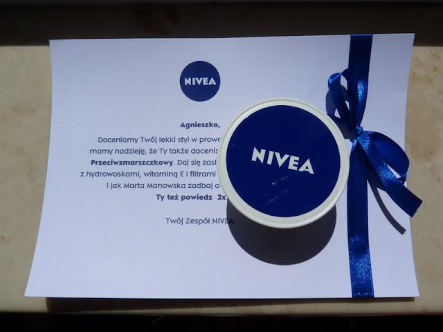 Przyjaciółki Nivea: dezodorant Invisible Woman/Men oraz Care Lekki Krem Przeciwzmarszczkowy
