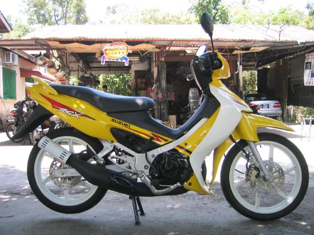 Xe 2 thì huyền thoại của Suzuki sport 1