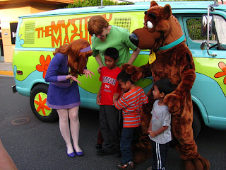 Image: Meeting Scooby-Doo, Daphne And Shaggy At The Mystery Machine At The Universal Studios Lower Lot, by Loren Javier on Flickr