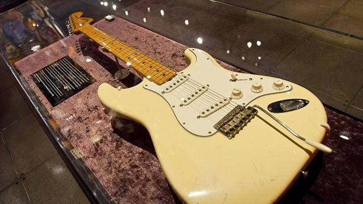 Одна из самых дорогих гитар в мире