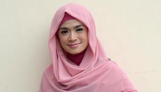 Yulia Rachman jalani bisnis pakaian muslim