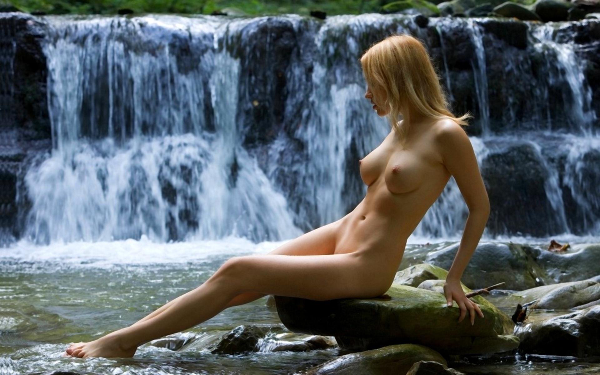 Фото девушек онанисток, Порно мастурбация фото - секс 18 фотография