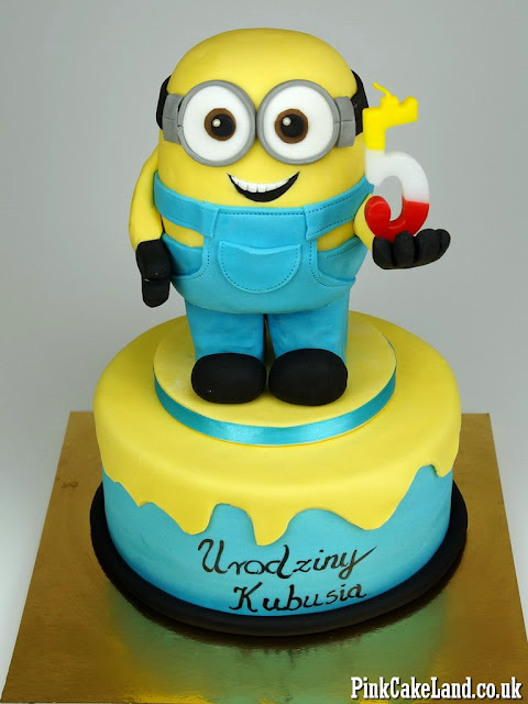 Minion cakes in London
