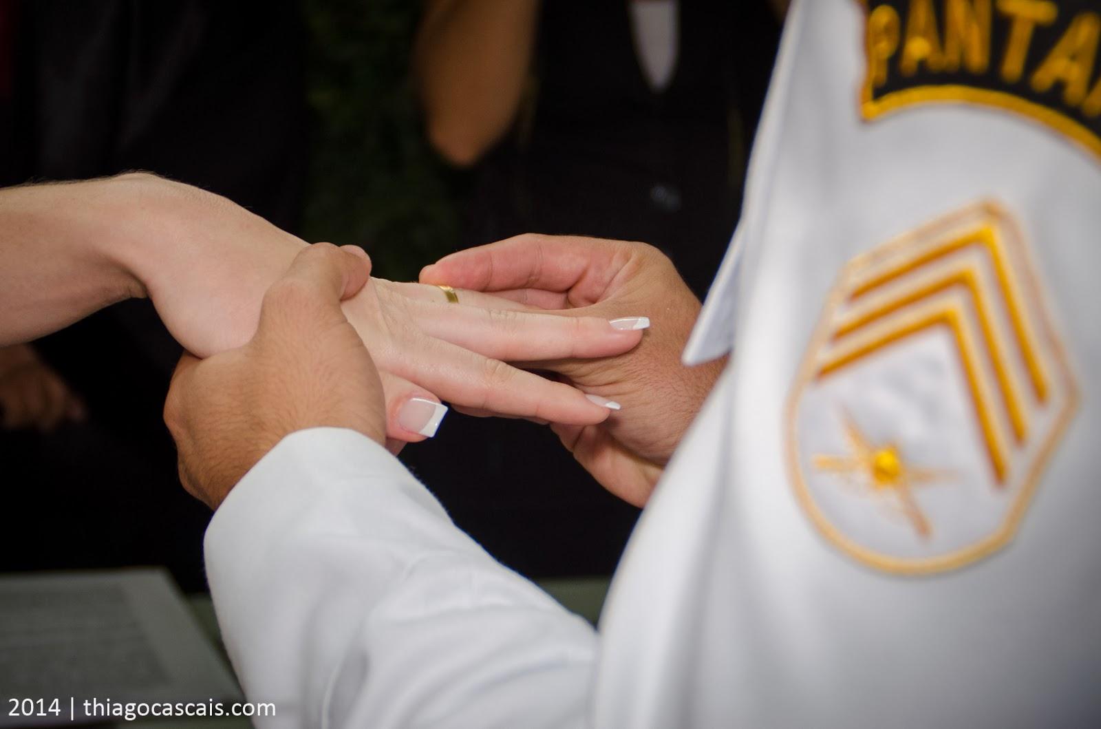 historia-amor-filme-noivos-cerimonia-troca-aliancas