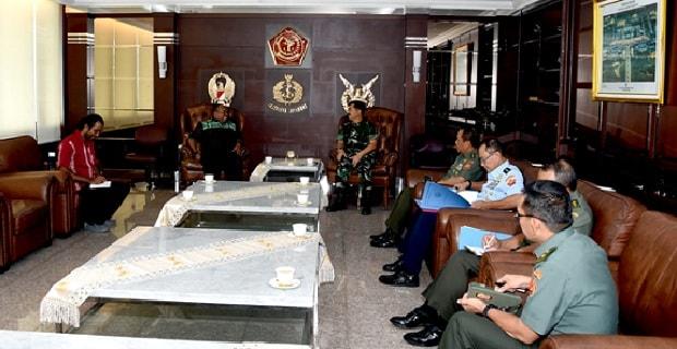 Panglima TNI Terima Anggota DPD RI Papua Barat