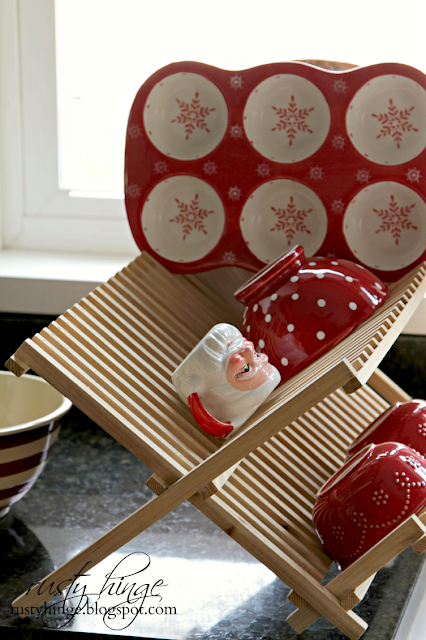 Christmas red and white dish drying rack