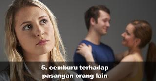 Cemburu terhadap pasangan orang lain