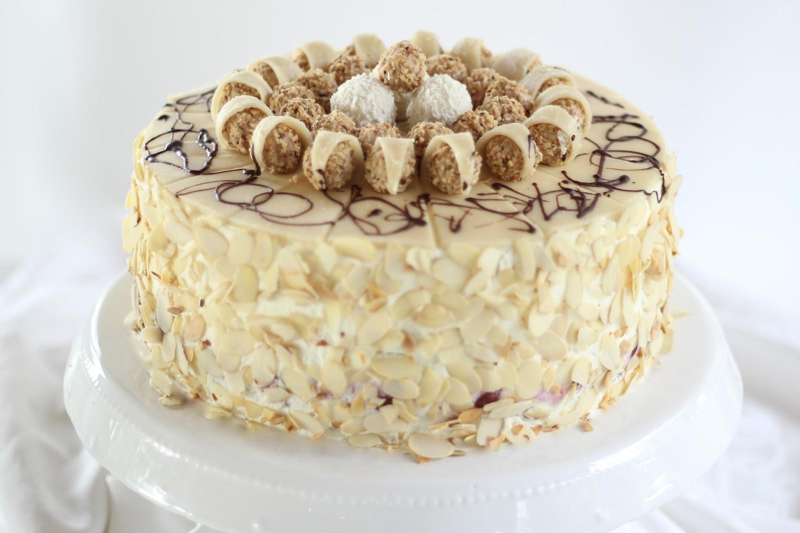 Giotto torte traumhafte sahnetorte mit kirschen marzipan - Torten dekorieren mit marzipan ...
