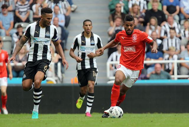 Prediksi Huddersfield Town vs Newcastle United