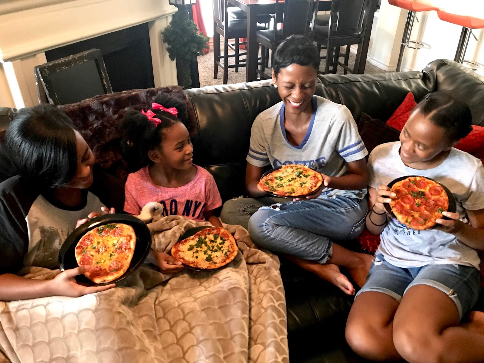 Happy Diaries: Pizza Night + Incredibles 2 + New Hair Do!