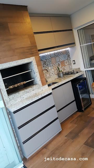 porcelanato-madeira-varanda-gourmet