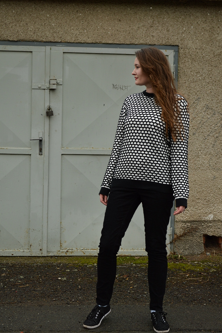 casual friday outfit, lookbook video, georgiana quaint, thrifted sweater, h&m sweater, corduroy trousers, fashion blogger