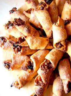 rogaliki z orzeszkami, kuchnia zydowska, wyjatkowe, swiateczne smaki, swieta, najsmaczniejsze, smaczna pyza, ciasteczka