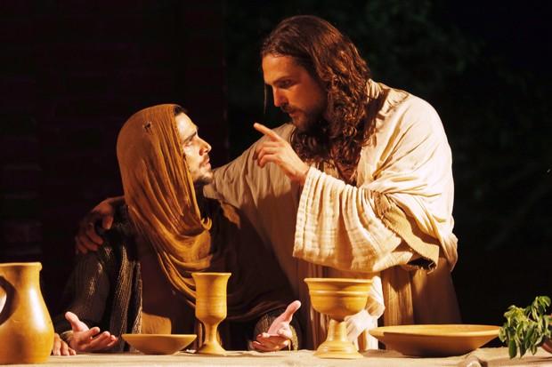Jesus Cristo nasceu de Maria e carregava sangue humano sim.