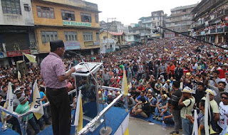 Harka Bahadur Chettri addressing jan andolan party meeting in kalimpong