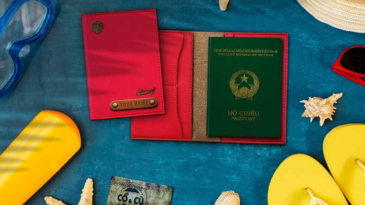 vỏ passport màu hồng
