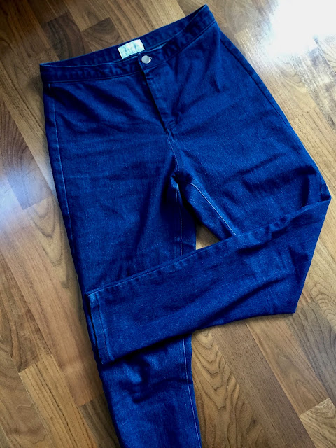 Diary of a Chain Stitcher: Indigo Blue Stretch Denim Mia Jeans from Sew Over It My Capsule Wardrobe: City Break
