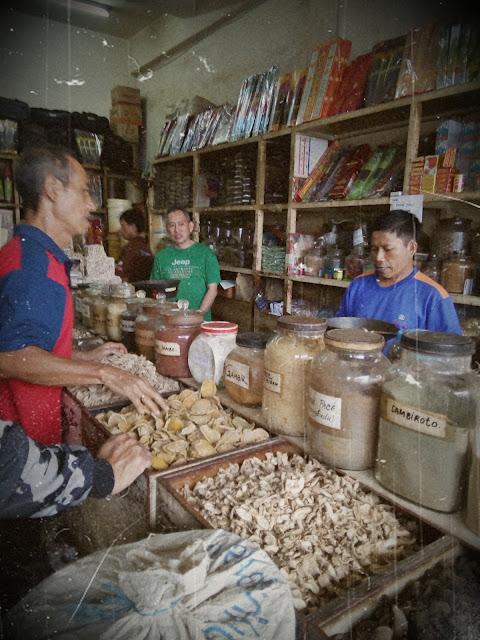 toko bahan jamu pecinan pasar besar Kota Malang