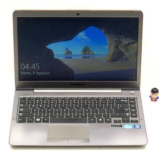 Laptop Ultrabook Samsung NP30U4C i5 Double VGA