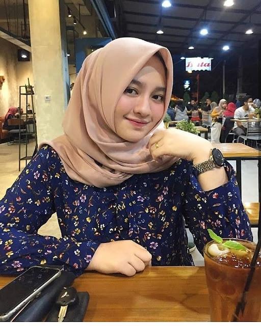 Hijab Syari Kuliah