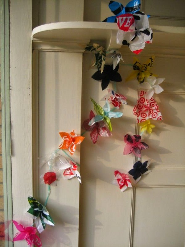 http://www.instructables.com/id/Wallflowers-Plastic-bag-hanging-flowers/