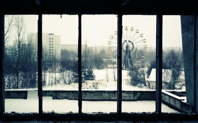 Pripyat, uma cidade de quase 50.000 pessoas na Ucrânia, foi evacuada após o desastre nuclear de Chernobyl