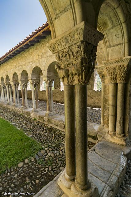 Capiteles del Claustro de la Catedral de Santa María en Saint Bertrand de Comminges, por El Guisante Verde Project