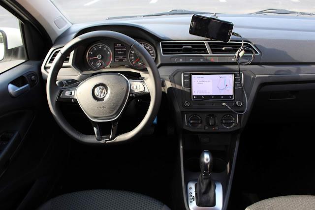 VW Voyage 2019 Automático - interior - painel