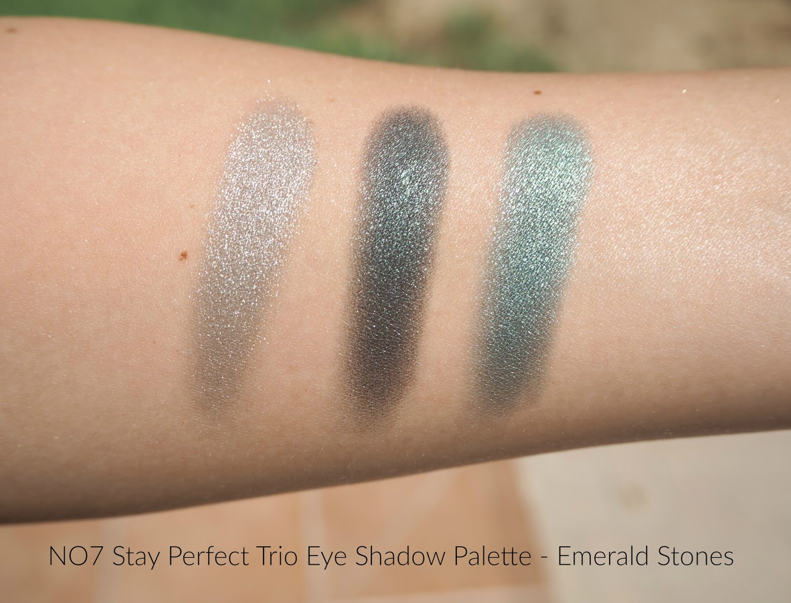 No7 Stay Perfect Trio Eye Shadow Palette Emerald Stones Review and Swatches