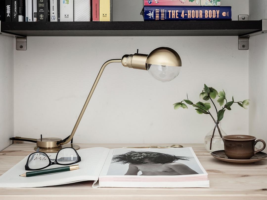 jolie association de couleurs blanc brun beige et gris bleut obsigen. Black Bedroom Furniture Sets. Home Design Ideas