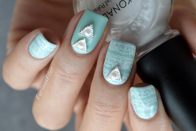 #31dc2015 silver trinagle 3d charm mint lace nails