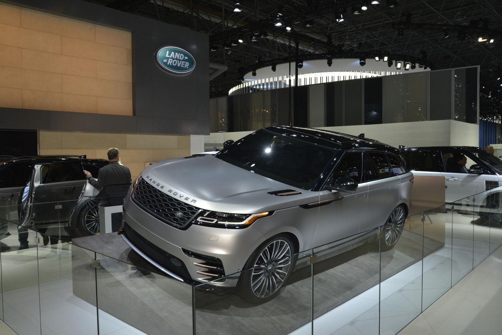 New Range Rover Velar Brings Its Tech Fest To New York Carscoops - Range rover dealer ny