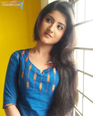 Shivani Sangita image photo wallpaper biography