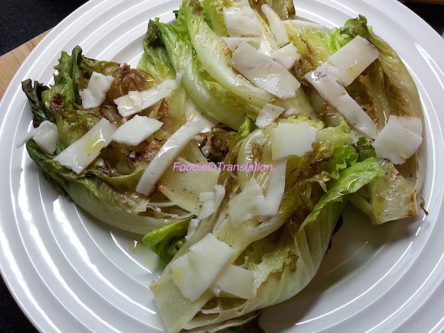 Lattuga grigliata con formaggio di capra - Grilled lettuce with goats' cheese