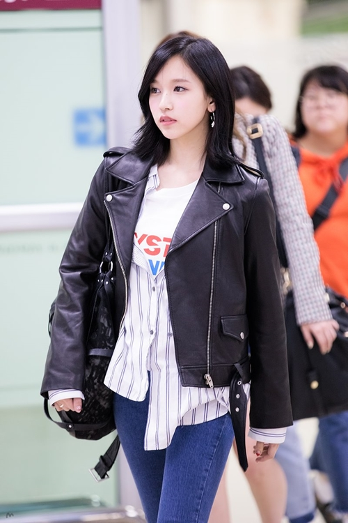 TWICE Mina Airport Fashion - KOREANUPS