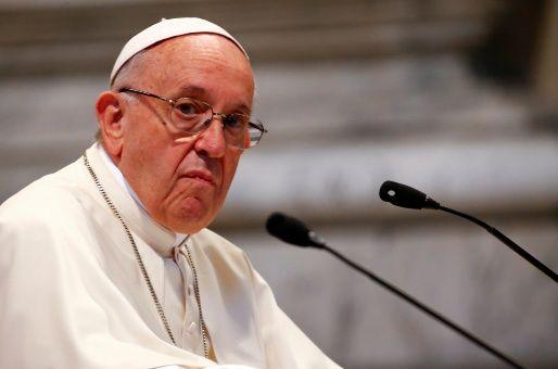 Papa acepta renuncia de 3 obispos chilenos por caso de abusos