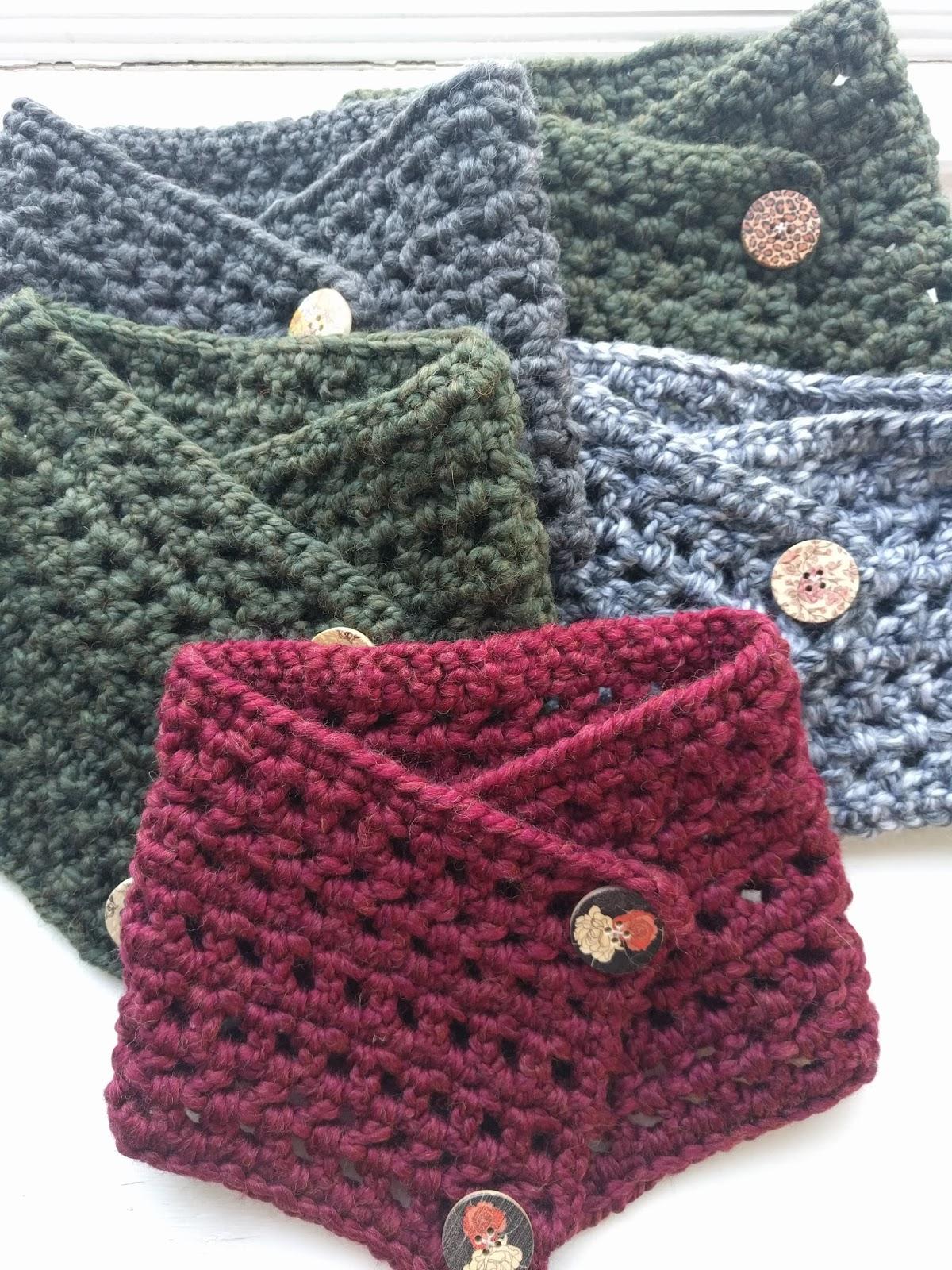 Pattern: Envelope Button Cowl | Knit A Bit Crochet Away