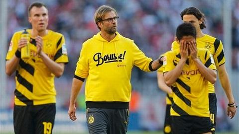 Dortmund thoát vị trí bét bảng nhờ thằng Monchengladbach