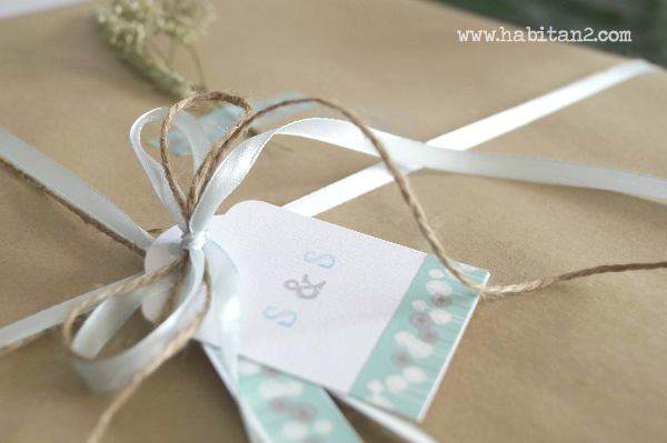 Regalo handmade para novios by Habitan2 eventplanner | marco envejecido con iniciales de los novios y tablón de notas