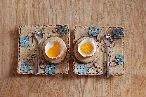 artystyczne podstawki do jaj