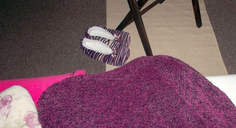 wohnen wohlfuehlen trendfarbe 2018 ultra violett deko tipps f r die lila pause zuhause. Black Bedroom Furniture Sets. Home Design Ideas