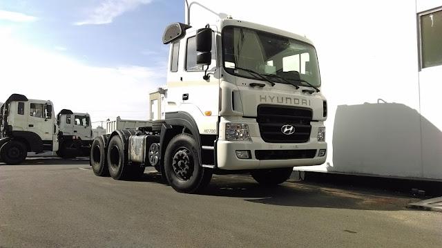 Đàu kéo Hyundai HD700 máy cơ