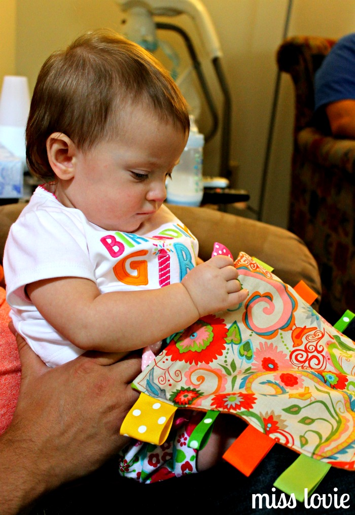 Miss Lovie: Crinkle Tag Toy=Easiest DIY Baby Toy Ever