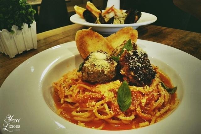Spaghetti and Meatball Pasta, Main Street Kapitolyo