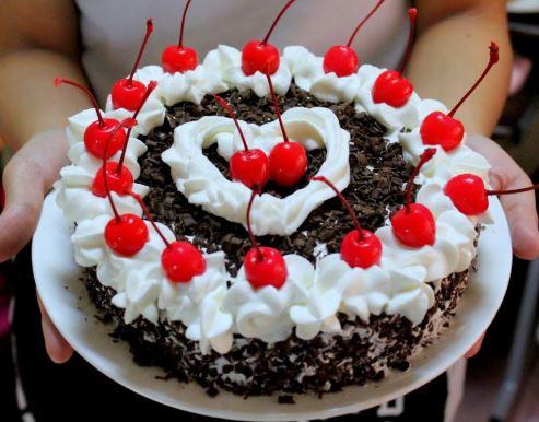 Cara (Resep) Membuat Kue Bolu Black Forest Sederhana dan Enak Ala Dapur Bu Haji