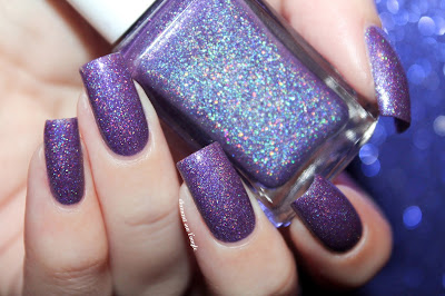 "Swatch of the nail polish ""Beauty Queen"" from Glam Polish"