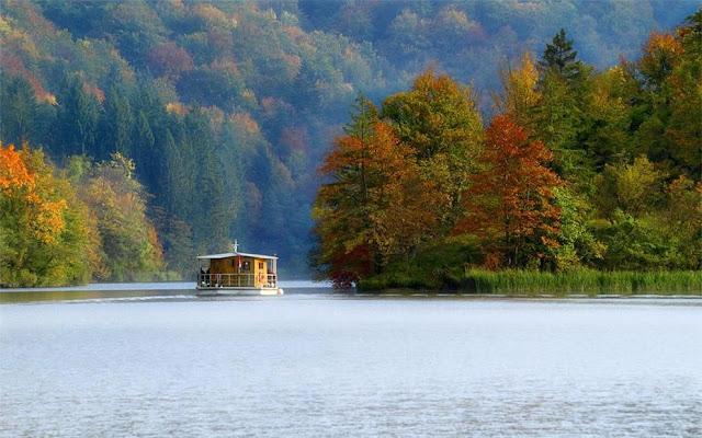 جولة سياحية أجمل البلاد مستوى العالم كرواتيا بليتفيتش Enjoy-the-silence-Plitvice-lakes-in-autumn.jpg